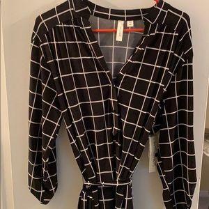 Black and white dress quarter sleeve